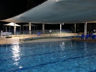 pool_yoru .jpg